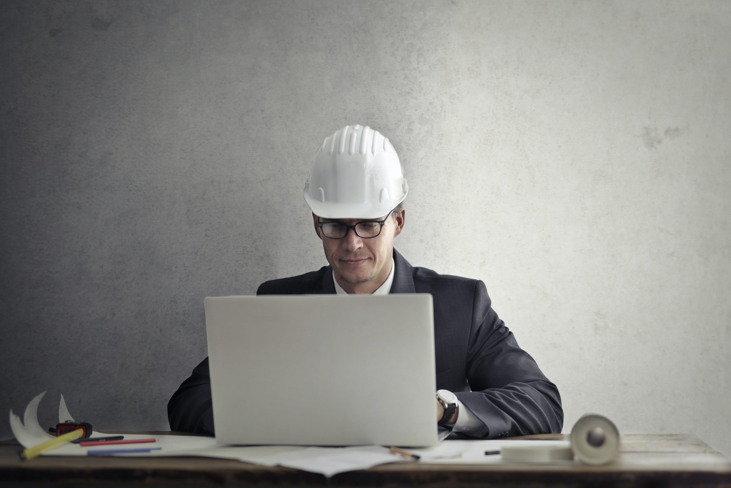 Why Is It Crucial To Have A Good Relationship Between Constructors And Developers?
